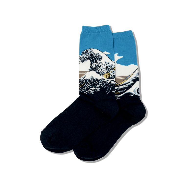 "Socks with image of ""The Great Wave"""