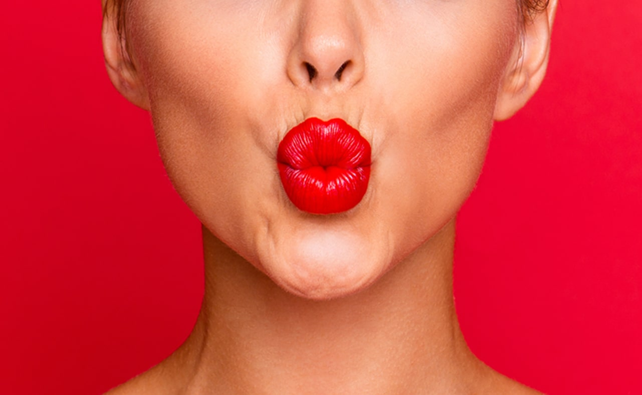How to Apply a Bold Lip Perfectly