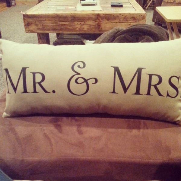 Mr & Mrs Pillow oblong