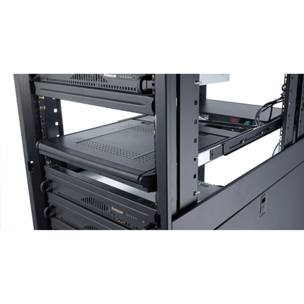 APC 8 Port Multi-Platform Analog KVM - KVM switch - PS/2 - 8 ports - 1 local use Product Image 7