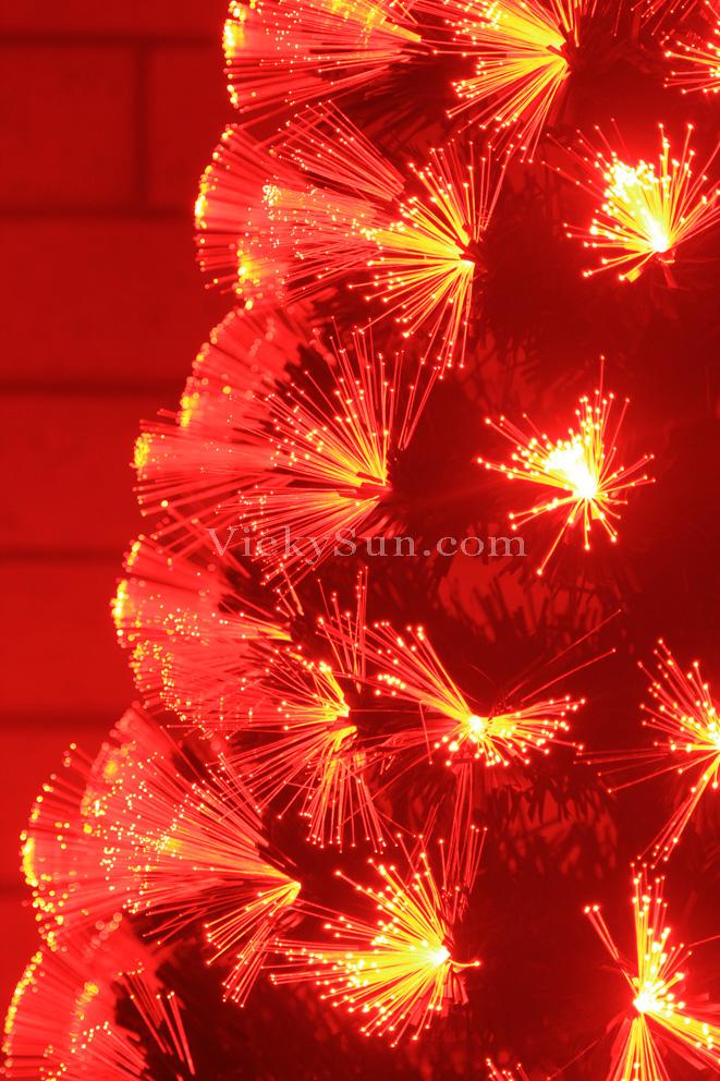 180cm-green-christmas-tree-with-red-fiber-optic-lights-synced-to-music-g-rtx-180cmb.jpg