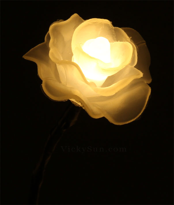 led-warm-white-rose-flower-lights-in-vase-cf15002f.jpg