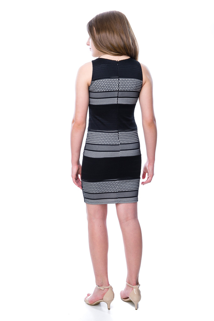 Back view of Tween Girls Black and White Panel Shift Dress.