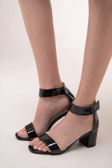 Tween Girls Black Chunky Heel view.