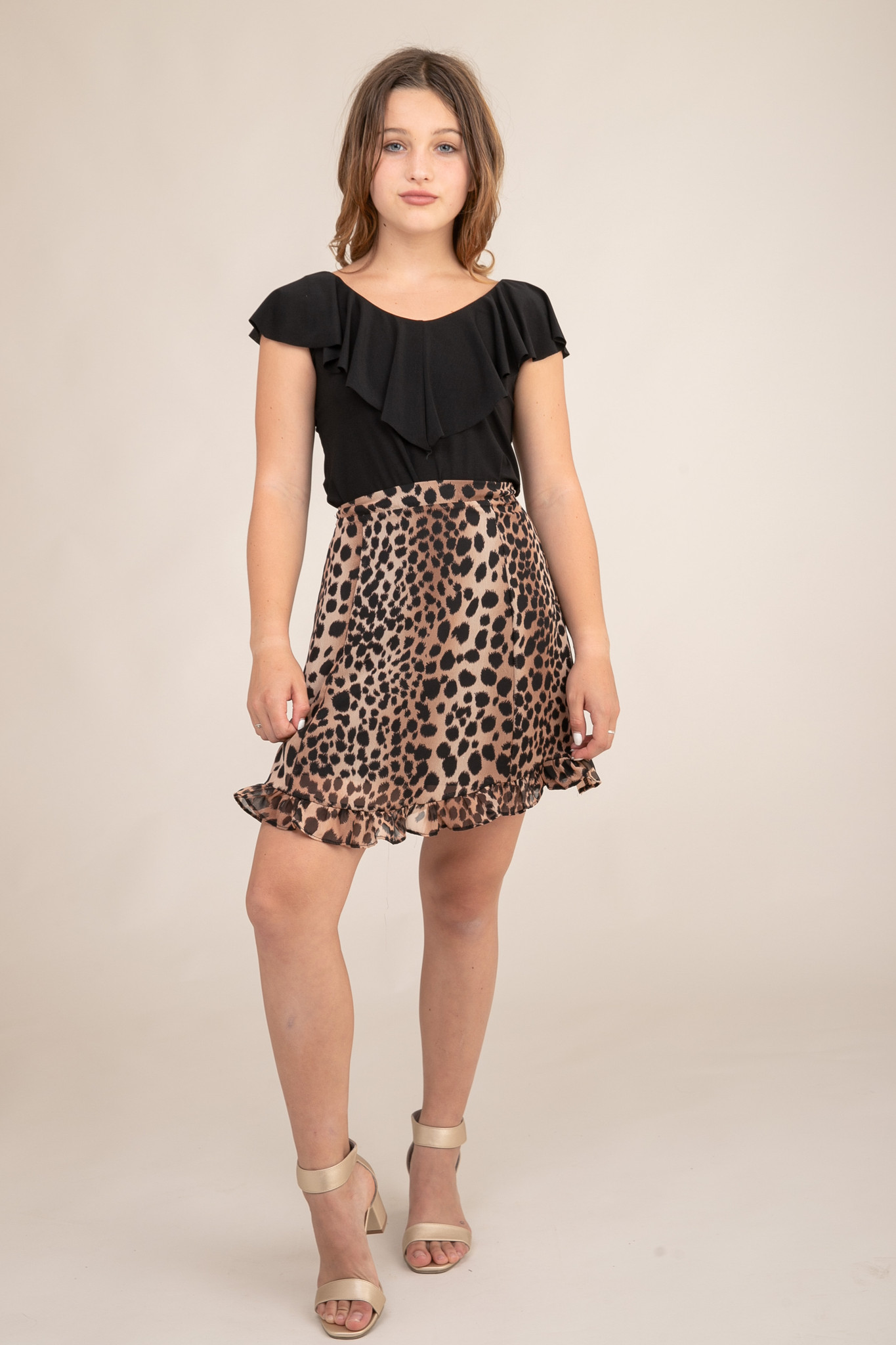 Tween Girls Cheetah Skirt in Longer Length close up view.
