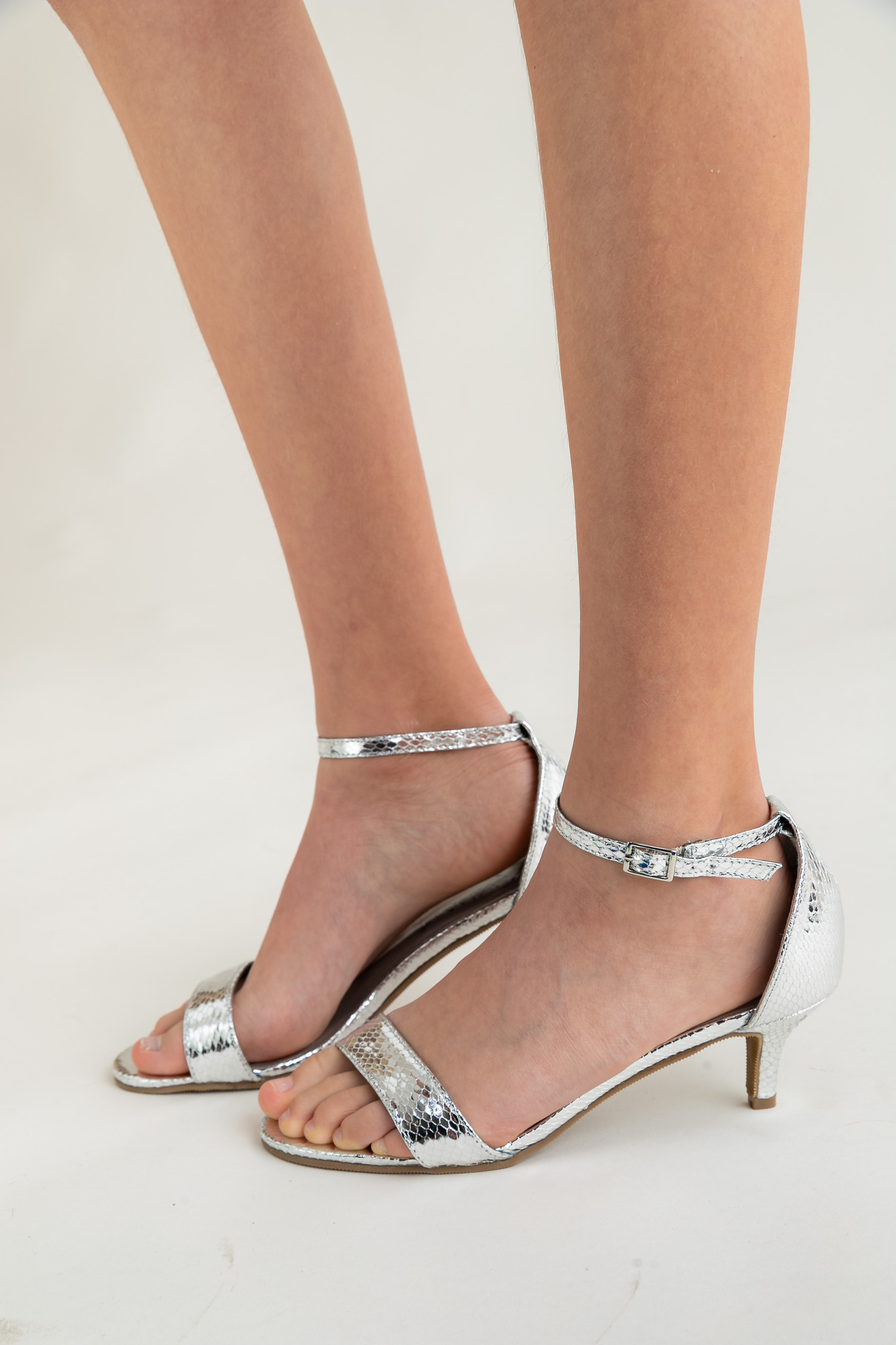 Tween Girls Silver Metallic Open Toe Texture Kitten Heel
