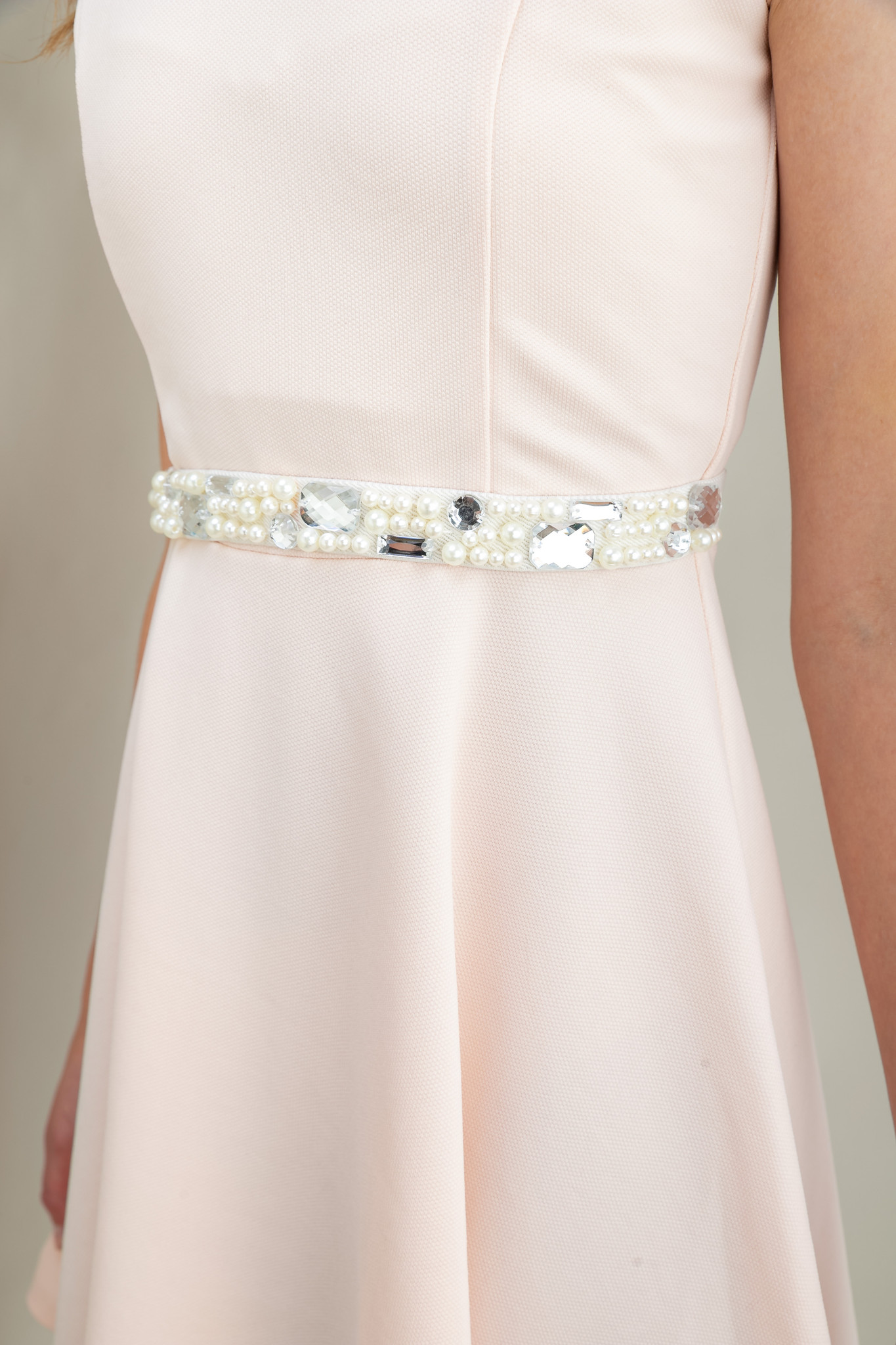Tween Girls Ivory Pearl and Gem Belt