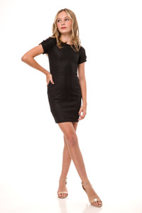 Short Sleeve Fitted Dress in Black Zig Zag