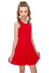 The Tween Girls Red Open Back Dress has a sweetheart neckline with thick straps.