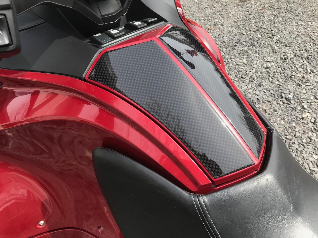 Spyder RT Protection pour coffre à gant - Urethane - Carbone noir