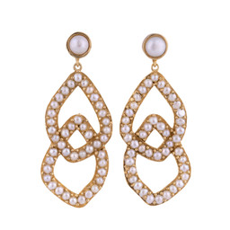 GIZELLE PEARL EARRINGS