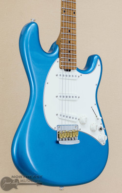 Ernie Ball Music Man Hunter Hayes Cutlass - Tahoe Blue (807-84-R1-06-CS-CR) | Northeast Music Center Inc.