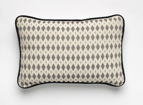 Pagne Tisse' Pillow - Light Grey Pattern