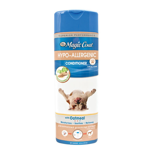 Specially formulated with skin soothing Oatmeal, Magic Coat® Hypo-Allergenic Conditioner provides gentle relief for your dog's dry skin and moisturizes for a clean, healthy coat. We recommend using in combination with Magic Coat® Hypo-Allergenic Shampoo. 16 oz. (473ml).