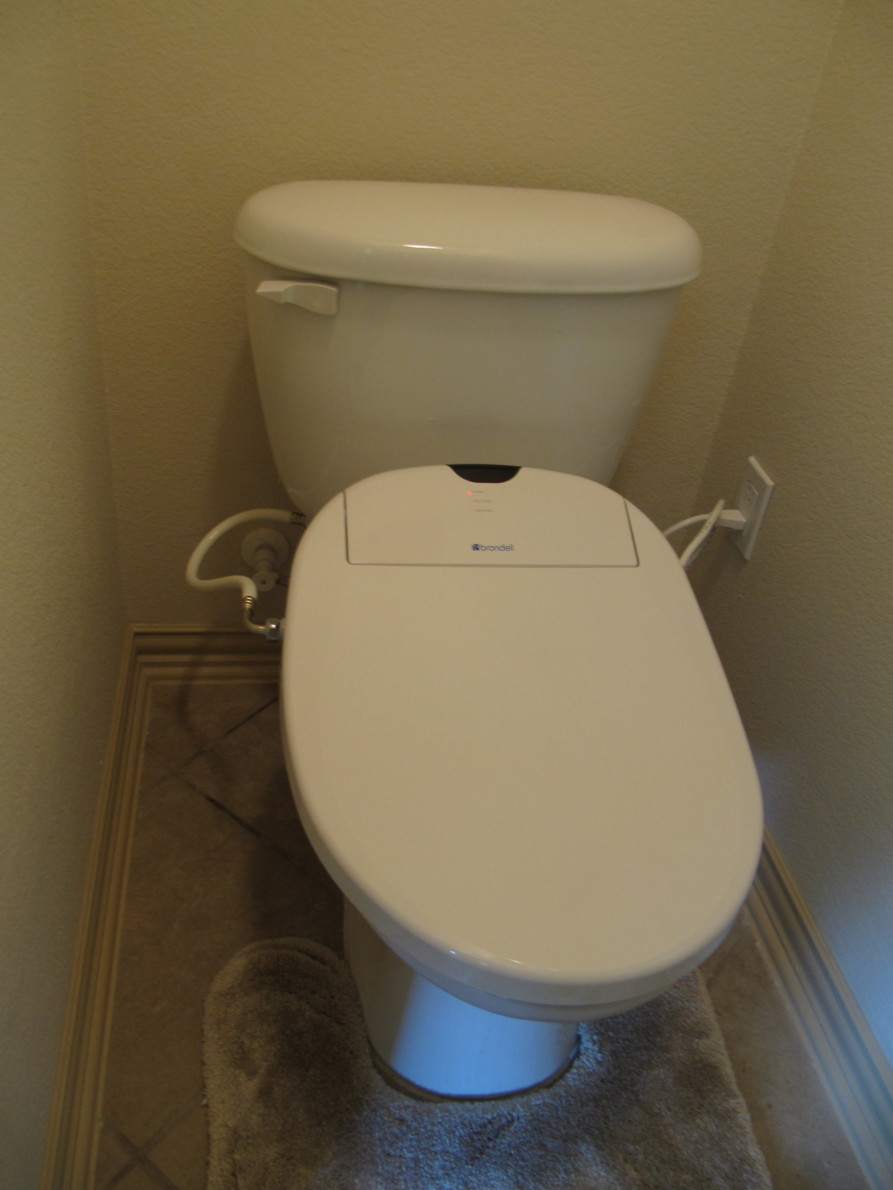 Surprising Brondell Swash 1400 Bidet Seat Customer Photo Gallery Real Ibusinesslaw Wood Chair Design Ideas Ibusinesslaworg