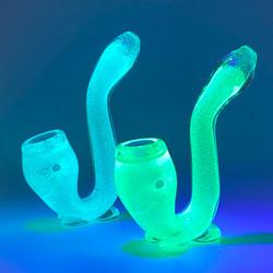 """Glow In The Dark Sherlock V4 5"""" Glass Hand Pipe"""