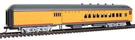 Bachmann 13605 HO Scale 72' Heavyweight Combine w/4-Window Door - Ready to Run -- Union Pacific #2512 (Armour Yellow, gray)