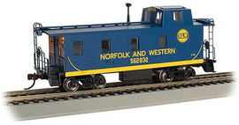 Bachmann 14003 HO Scale Slanted Offset-Cupola Caboose - Ready to Run -- Norfolk & Western 562832 (blue, yellow)