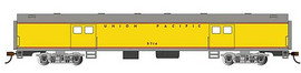 Bachmann 14403 HO Scale 72' Smooth-Side Baggage - Ready to Run -- Union Pacific #5714 (Armour Yellow, gray, red)