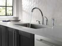 DELTA Pilar Single Handle Kitchen Faucet with Spray Chrome Finish