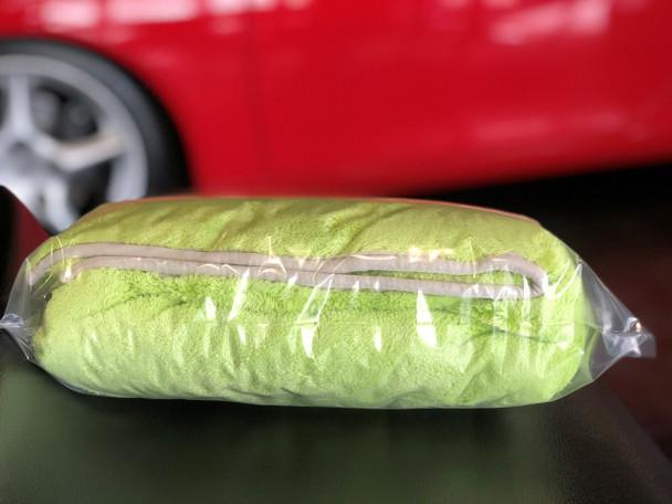 "Dual Plush Green Drying Towel 1100gsm (22"" x 22"")"