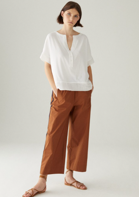 S/S BUTTON FRONT KNIT TOP