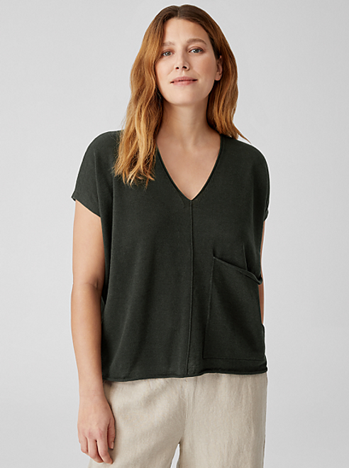 V-NECK SLEEVELESS BOX TOP
