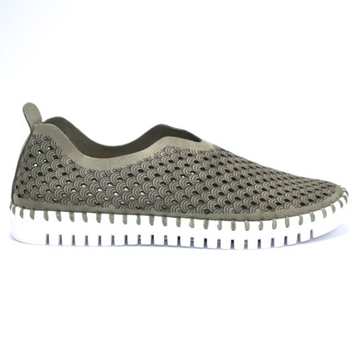 SLIP ON PERFORATED SHOE