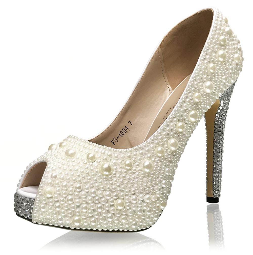 15a9b246ca08 Ariah Jade - Pearl pumps w Crystal accent