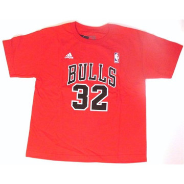 Bulls T-shirt signed by Jimmer