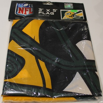 GREEN BAY PACKERS - POLYESTER FLAG - 3 X 5 FEET - INDOOR/OUTDOOR - BRAND NEW
