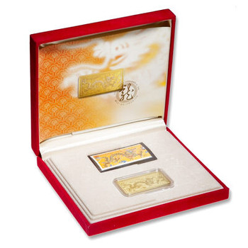 2000 HEART OF THE DRAGON GOLD STAMP AND POSTCARD SET
