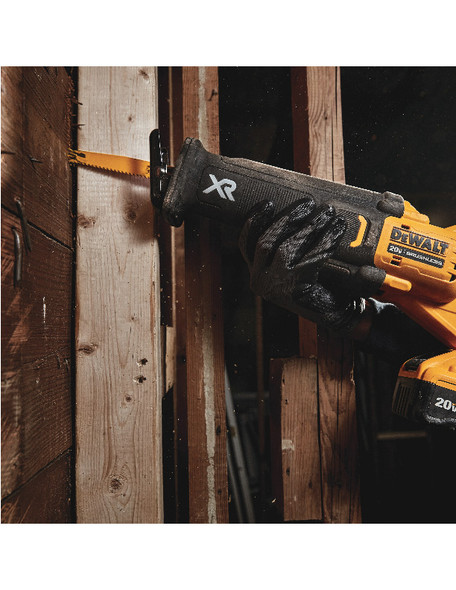 Varible-speed trigger with 0-3000 SPM provides blade control and fast cutting speeds.