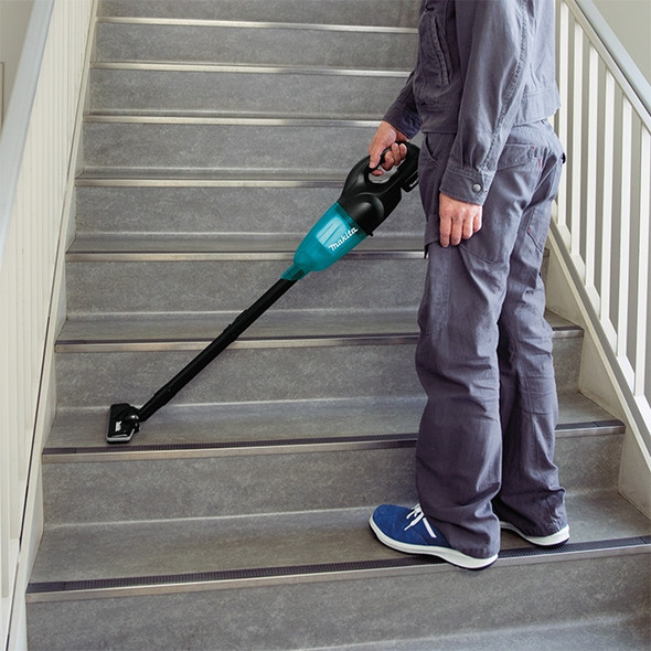 Makita DCL180ZB 18V LXT Vacuum Cleaner