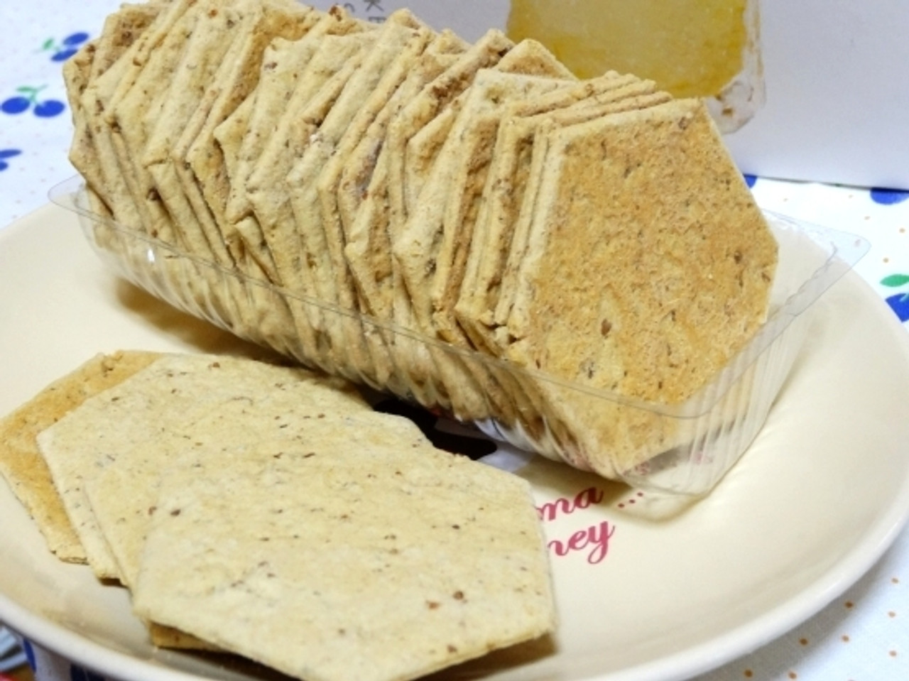 Savoury Crackers, Biscuits and Toasts