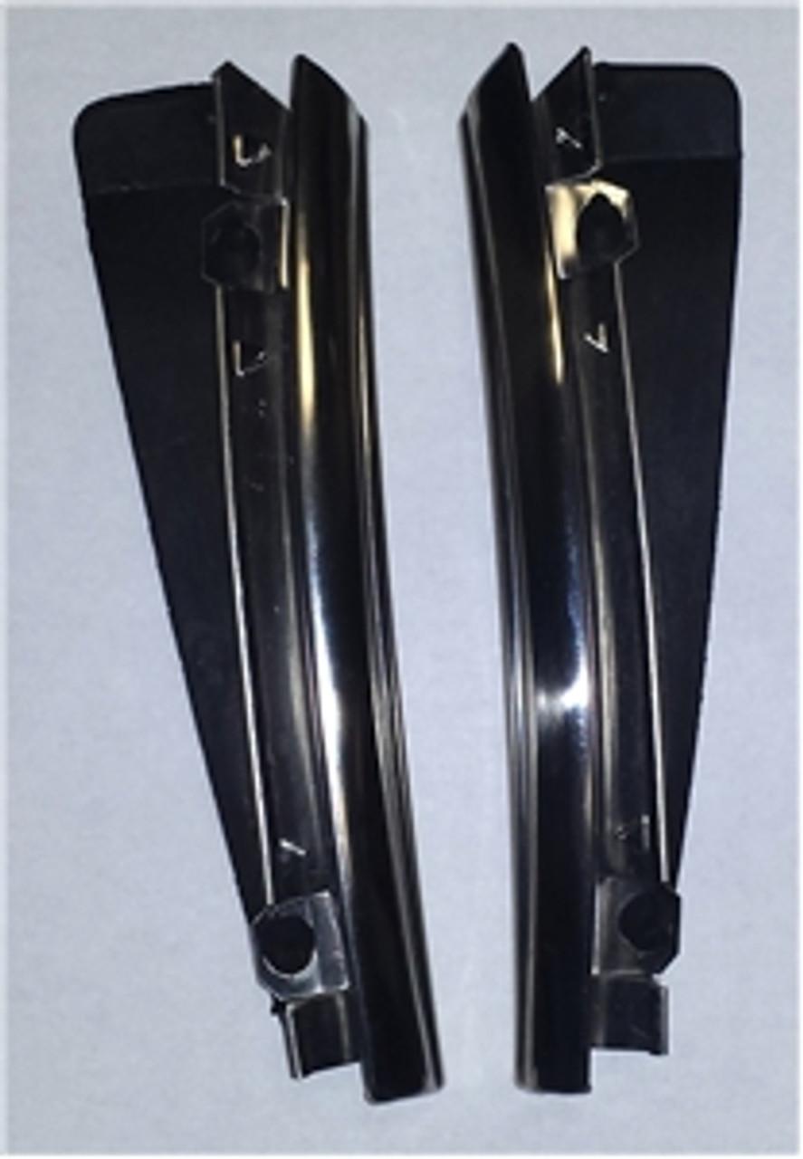 1968-72 Top Fender Moldings w/ seal (Pair)