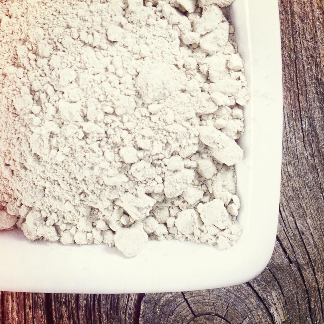 ingredients-clay-dish.jpg