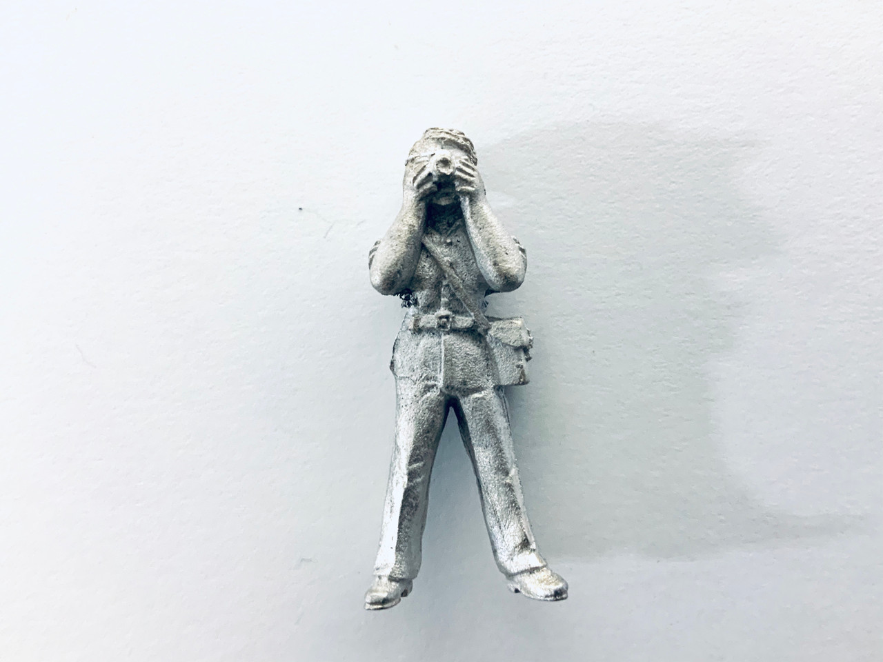 48-1414 Man Standing Taking Picture Figure FKA Keil Line O scale