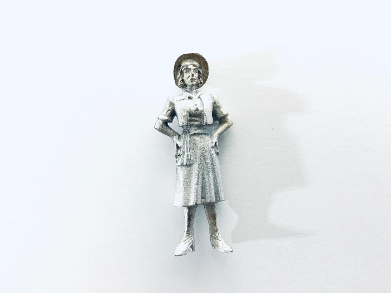 48-1417 Woman in Hat w/ Hands on Hips Figure FKA Keil Line O scale