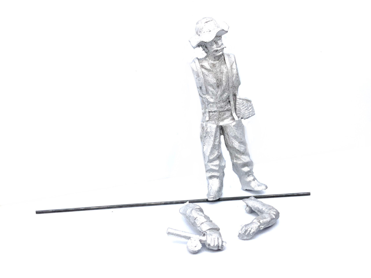 48-1447 Man Fishing Wearing Waders Fisherman O Scale FKA Keil Line
