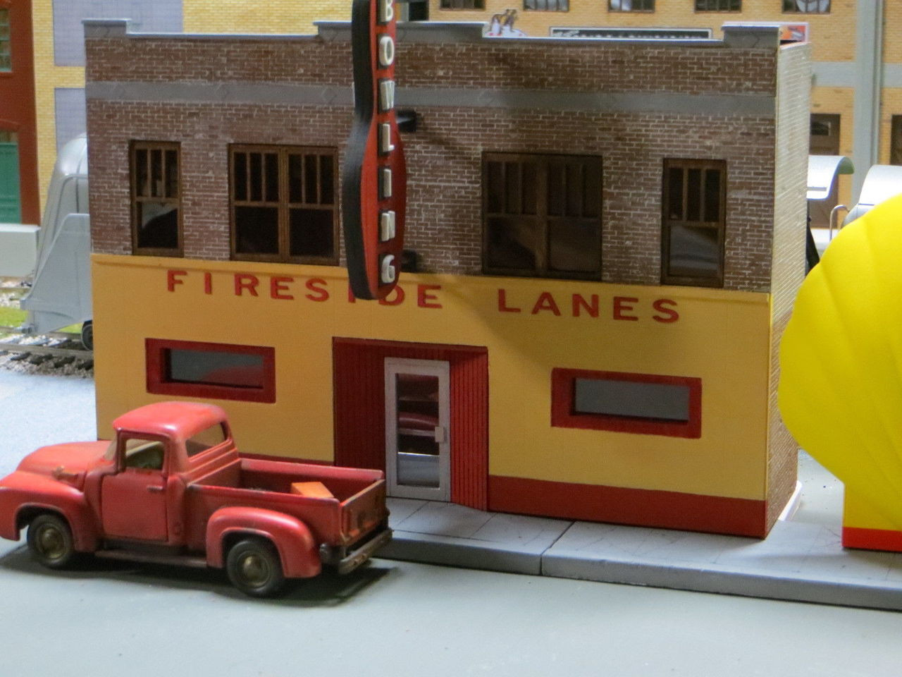 48-7000 1/48 O Scale Fireside Lanes Bowling Alley building Kit Resin ART DECO Best Brick