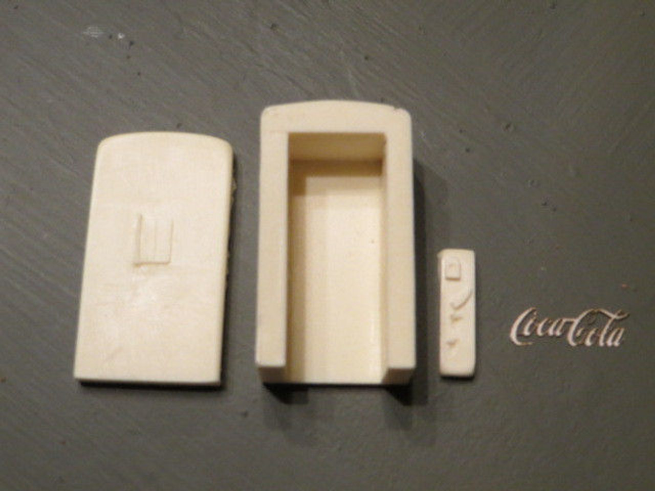 48-3006 Coca-Cola Coke Machine O Scale