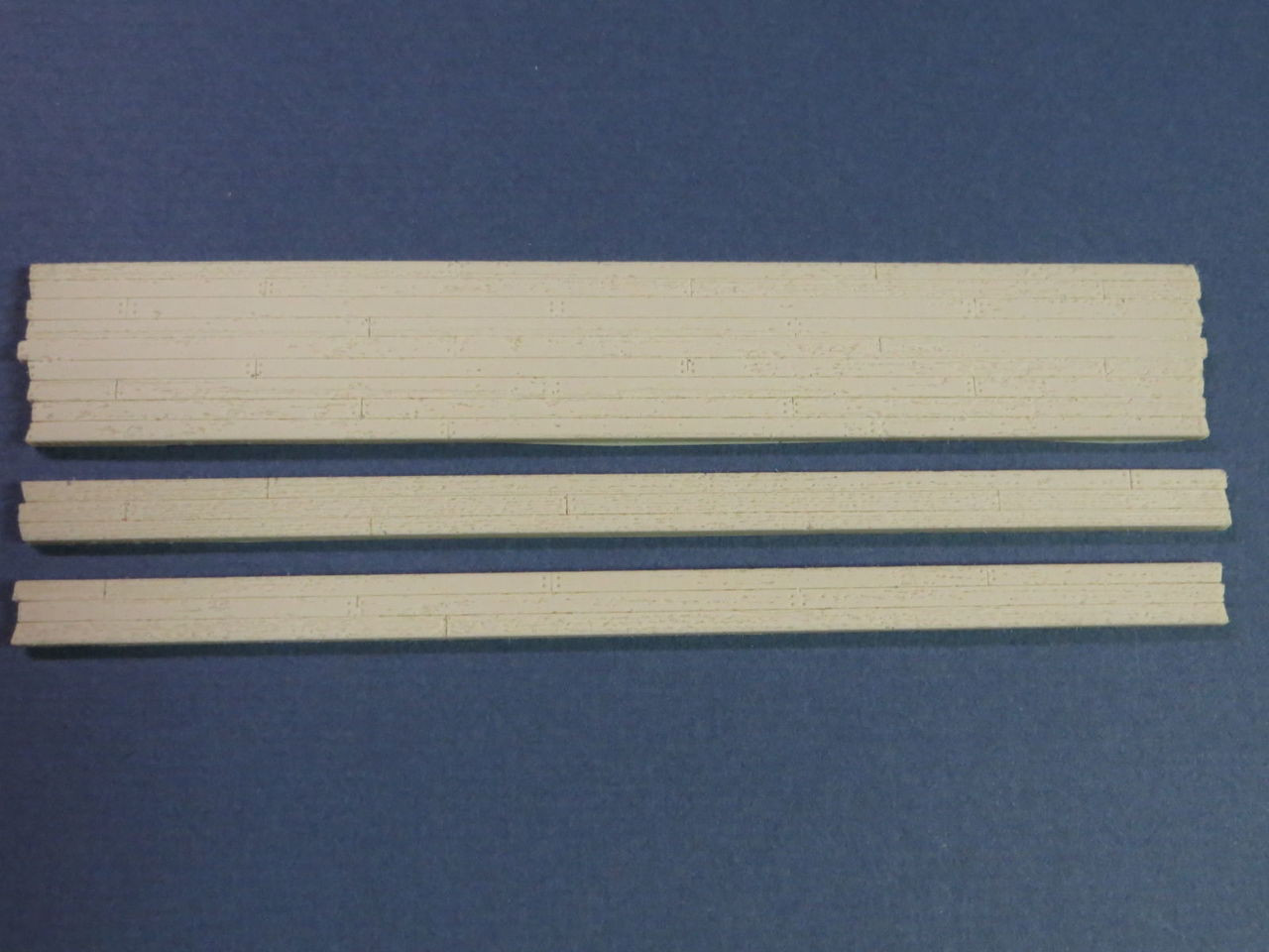 48-3002 2 Rail O Scale Wood Grade Crossing Kit Resin Straight EXTREMLY DETAILED!
