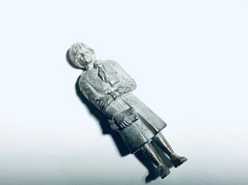 48-1253 Woman with Purse Figure FKA Keil Line O scale