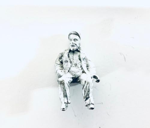 48-1395 Fat Man Sitting Figure FKA Keil Line O scale