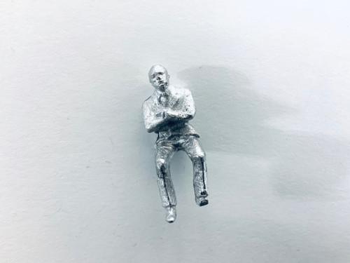 48-1403 Man Sitting w/ Arms Crossed Figure FKA Keil Line O scale
