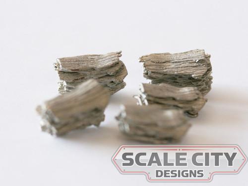 48-690 Small Scrap Metal Piles O scale