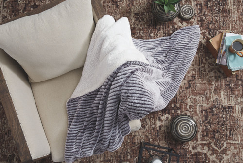 Metea Gray/Black Throw