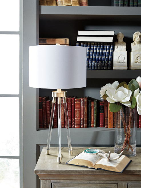 Idalia Clear/Silver Finish Acrylic Table Lamp (1/CN)