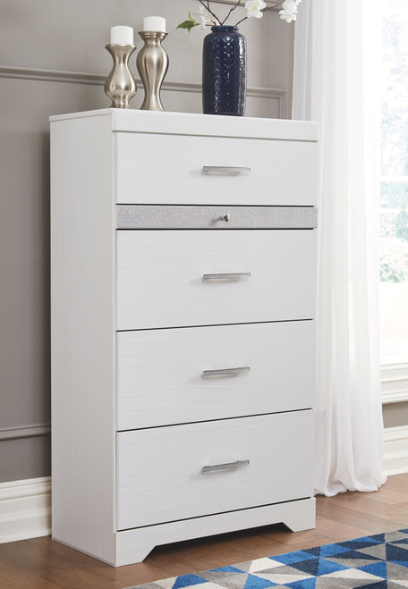 Jallory White Five Drawer Chest